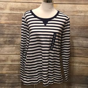Blue stripe GAP tshirt. NWT!!